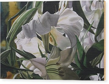 Lily In White Wood Print by Alfred Ng