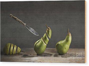 No Escape Wood Print by Nailia Schwarz