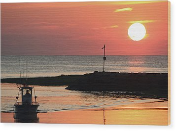 Rock Harbor Sunset Wood Print