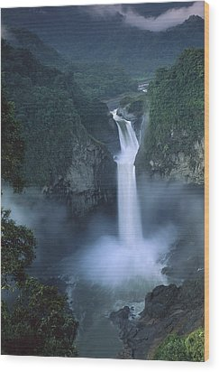 San Rafael Falls On The Quijos River Wood Print by Pete Oxford