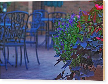 Summer Patio Wood Print by Rowana Ray