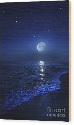 Tranquil Ocean At Night Against Starry Wood Print by Evgeny Kuklev