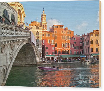 Venice Rialto Bridge Wood Print by Heiko Koehrer-Wagner