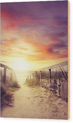 Walkway Wood Print by Les Cunliffe
