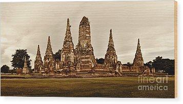 Wat Chaiwatthanaram Ayutthaya  Thailand Wood Print by Fototrav Print