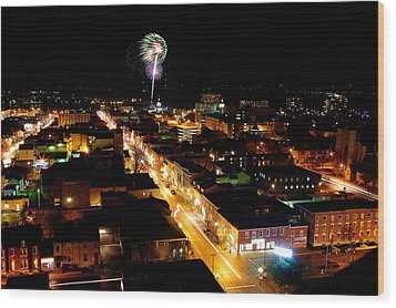 2010 New Years Eve Fireworks Wood Print by Paul Wash