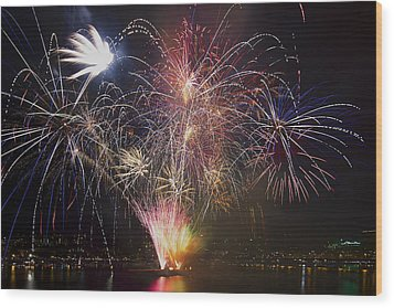 2013 Independence Day Fireworks Display On Portland Oregon Water Wood Print by David Gn
