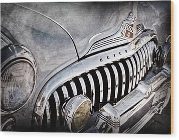 1947 Buick Eight Super Grille Emblem Wood Print by Jill Reger