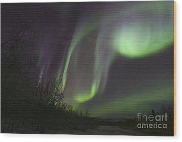 Aurora Borealis By Fish Lake Wood Print by Joseph Bradley