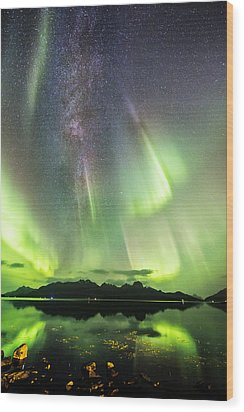 Auroras And Milky Way Wood Print