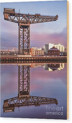 Finnieston Crane Glasgow Wood Print by John Farnan