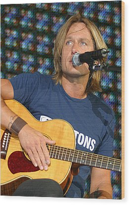 Keith Urban Wood Print by Don Olea