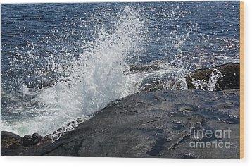 Ocean Waves Wood Print by Rose Wang