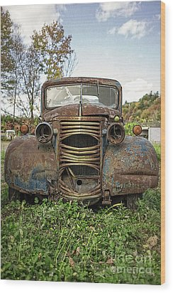 Old Junker Car Wood Print by Edward Fielding