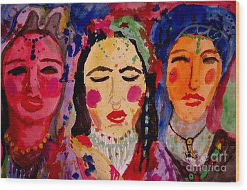 3 Queens Of Color Wood Print by Amy Sorrell
