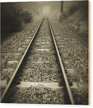 Railway Tracks Wood Print by Les Cunliffe