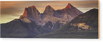 3 Sisters Canmore Alberta Wood Print by Diane Dugas