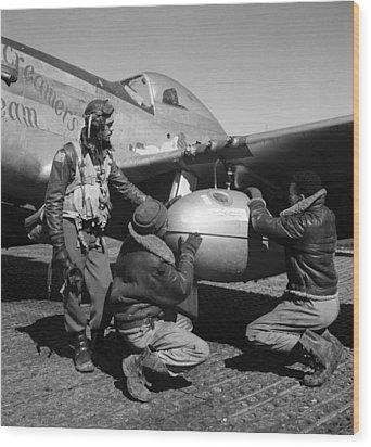 Wwii: Tuskegee Airmen, 1945 Wood Print by Granger