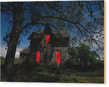 3am At The Farmhouse  Wood Print by Cale Best