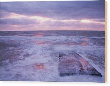 Ballyconnigar Strand At Dawn Wood Print by Ian Middleton