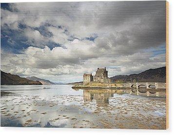 Eilean Donan Castle Wood Print by Grant Glendinning