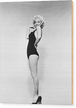 Marilyn Monroe (1926-1962) Wood Print by Granger
