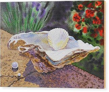 Sea Shell And Pearls Morning Light Wood Print by Irina Sztukowski