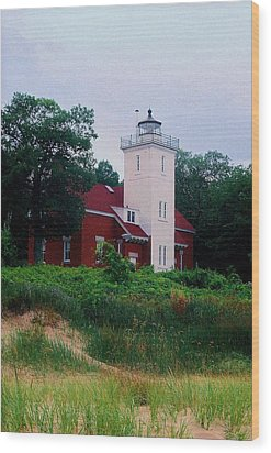 Wood Print featuring the photograph 40 Mile Light by Daniel Thompson