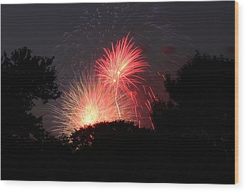 4th Of July Fireworks - 01131 Wood Print by DC Photographer