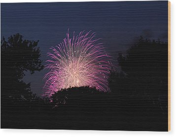4th Of July Fireworks - 01133 Wood Print by DC Photographer