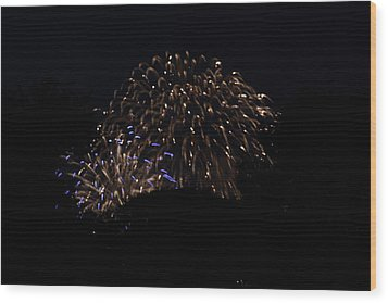 4th Of July Fireworks - 011332 Wood Print by DC Photographer