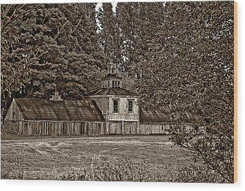 5 Star Barn Monochrome Wood Print by Steve Harrington
