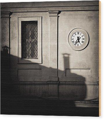 5.35pm Wood Print by Dave Bowman