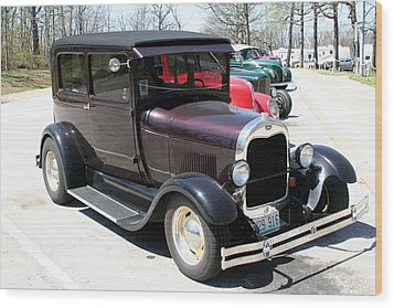 Antique Car Wood Print by Dick Willis