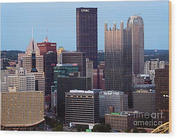 Downtown Skyline Of Pittsburgh Pennsylvania Wood Print by Bill Cobb