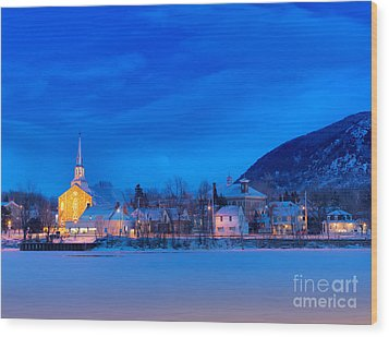 Mont Saint Hilaire Quebec Winter Wood Print