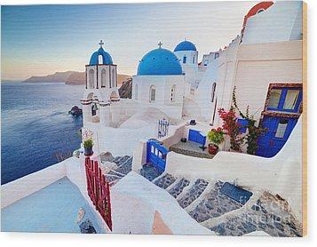 Oia Town On Santorini Greece Wood Print