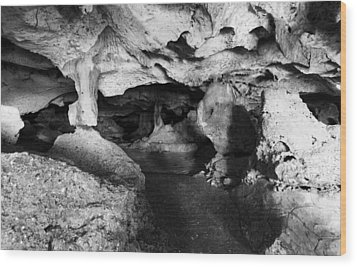Green Grotto Caves Wood Print by Bill Howard