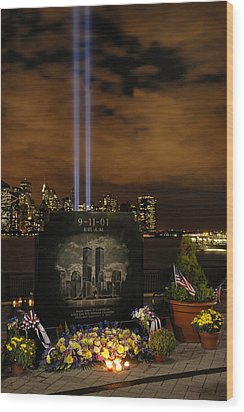 9-11 Monument Wood Print by Dave Mills