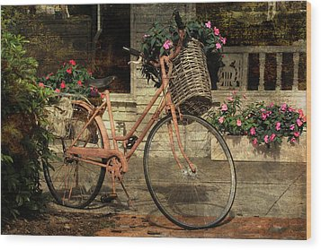 A Basketful Of Spring Wood Print by HH Photography of Florida