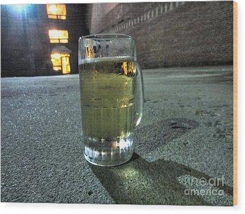 A Beer Mug In An Alley  Wood Print by Robert Loe