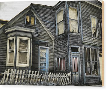 A Bygone Era Wood Print by Ellen Heaverlo