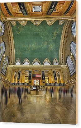 A Central View Wood Print by Susan Candelario