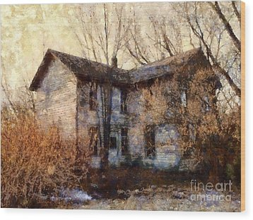 A Haunting Melody - Old Farmhouse Wood Print by Janine Riley