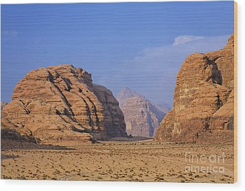 A Landscape Of Rocky Outcrops In The Desert Of Wadi Rum In Jordan Wood Print by Robert Preston