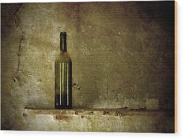 A Lonely Bottle Wood Print by RicardMN Photography