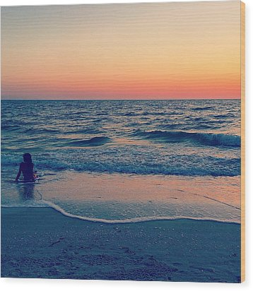 Wood Print featuring the photograph A Moment To Remember by Melanie Moraga