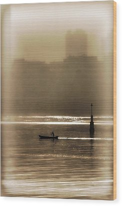 A Morning Paddle Wood Print by Henry Kowalski