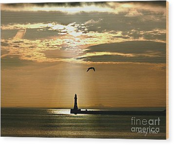 Wood Print featuring the photograph Roker Pier Sunderland by Morag Bates