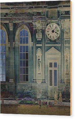 A Night At The Palace Wood Print by Sarah Vernon